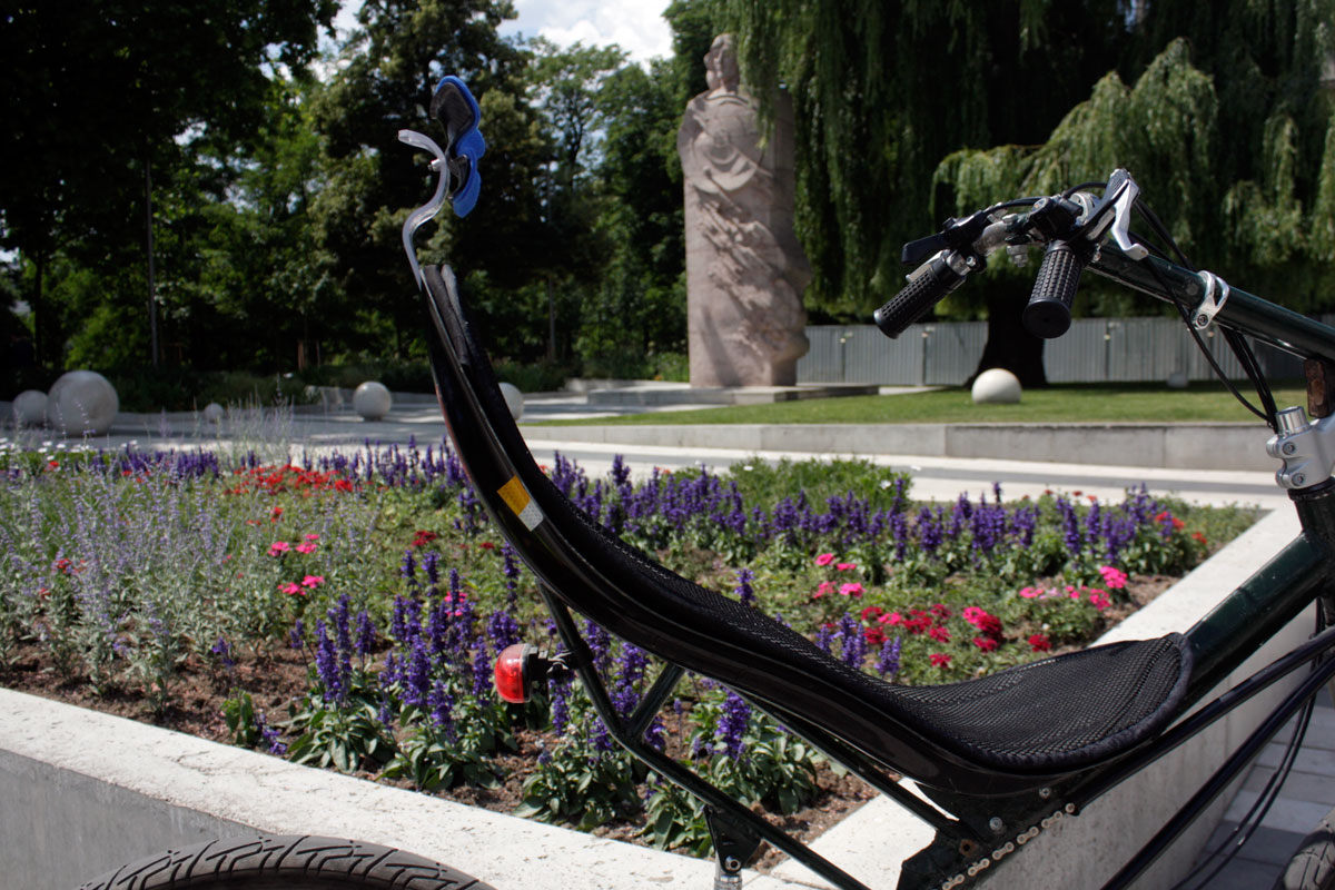 The Comfort neckrest was created to ensure maximal comfort during riding a recumbent.